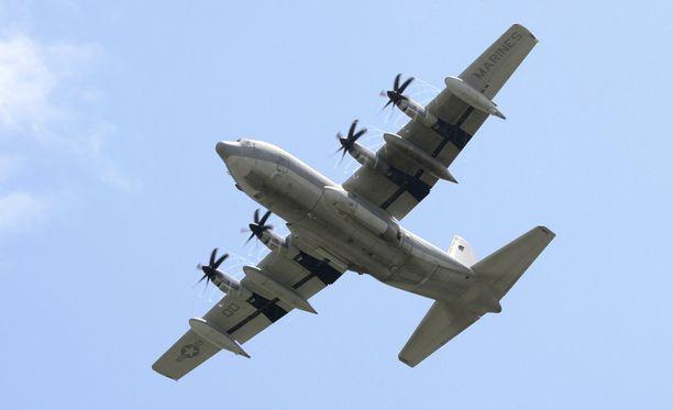 Hercules-malliset lentokoneet ovat sotilaskäytössä olevia kuljetus- ja rahtikoneita. Kuvituskuva.