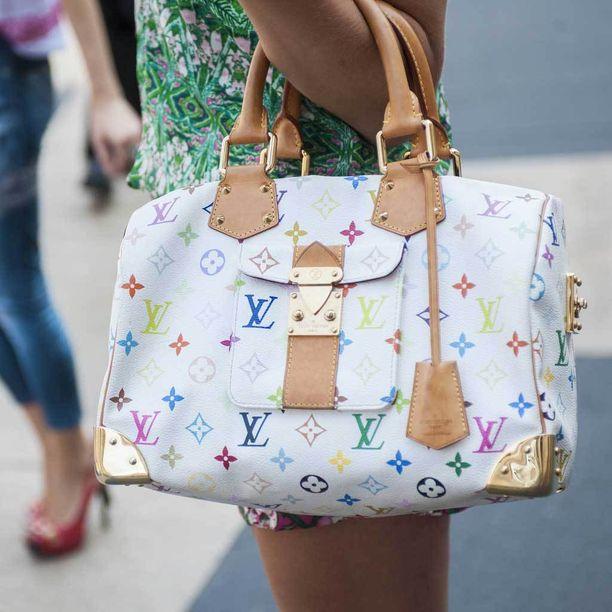 Takashi Murakamin Louis Vuittonille suunnittelemat laukut olivat it-laukkuja 2000-luvulla.
