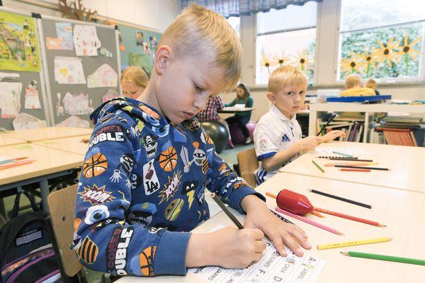 Ekaluokkalainen Kasper Kakkonen opiskeli syksyllä 2017 vieraita kieliä Kämmenniemen koulussa Tampereella.