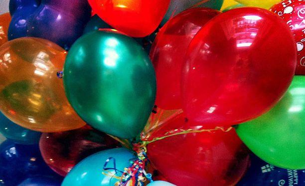 Syntymäpäiväsankarin vaatteet vaihdettiin juhlien aikana useaan kertaan.