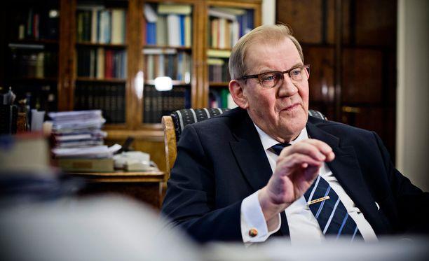 Juha Ristamäen mukaan eduskunnan keskustalaisen pääsihteerin Seppo Tiitisen tilalle on nousemassa keskustalainen seuraaja.