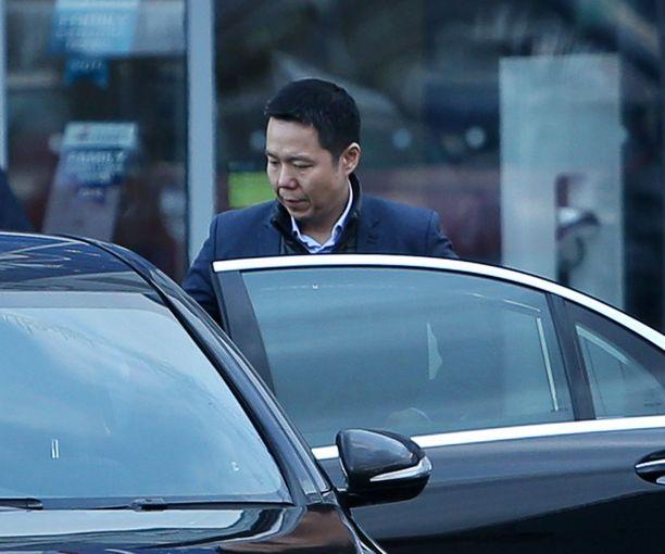 Cardiff Cityn toimitusjohtaja Ken Choo poistui stadionilta synkissä tunnelmissa.