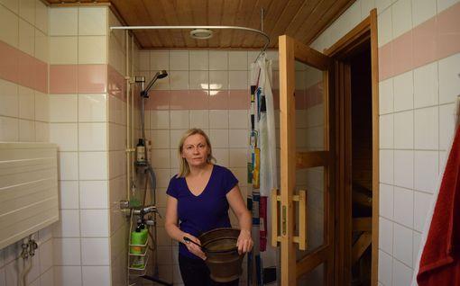 """Eläkevakuutusyhtiö irtisanoi kerrostaloasukkaiden vuokrasopimukset - Perusteena piha- ja kylpyhuoneremontit: """"Se on ulos ja tulos"""""""