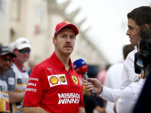 Sebastian Vettel oli Australiassa neljäs ja Bahrainissa viides. 22 MM-pistettä oikeuttavat kuljettajien pistetaulukon viidenteen sijaan. Valtteri Bottas on kärjessä 44 pisteellä.