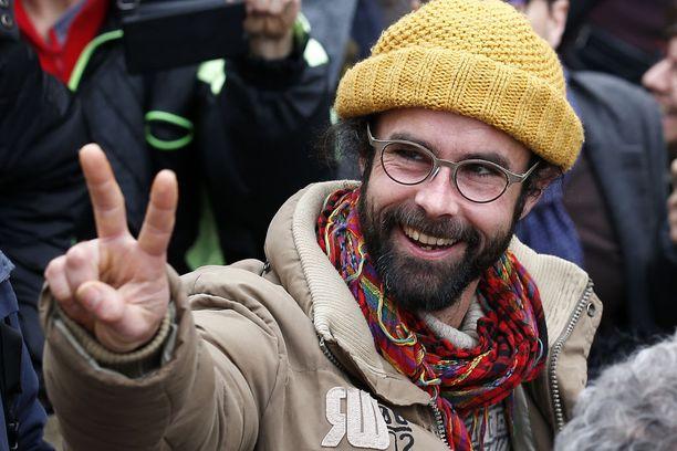 Cedric Herrour tuomittiin helmikuussa 3 000 euron sakkoihin siirtolaisten laittomasta auttamisesta.