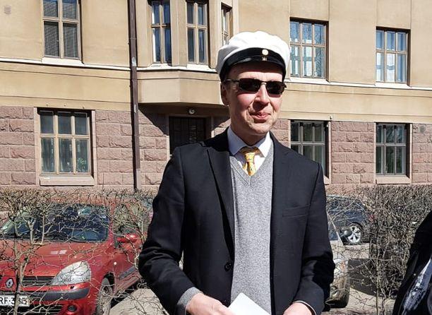 Jussi Halla-aho piti vappupuheensa Helsingissä.