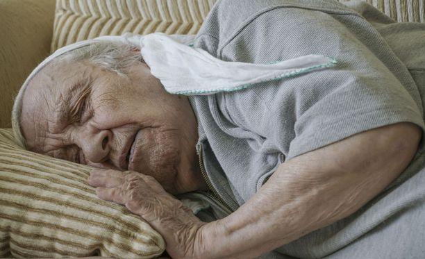 Helle on usein erityisesti vanhojen ihmisten terveydelle riski.