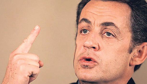 Nicolas Sarkozyn naiskuviot ovat laskeneet hänen suosiotaan.