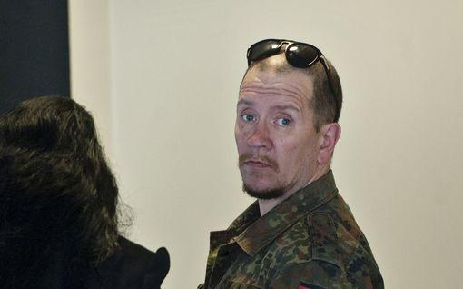 Entinen elinkautisvanki varasti huppareita ja takin, tuomittiin 210 euron sakkoihin