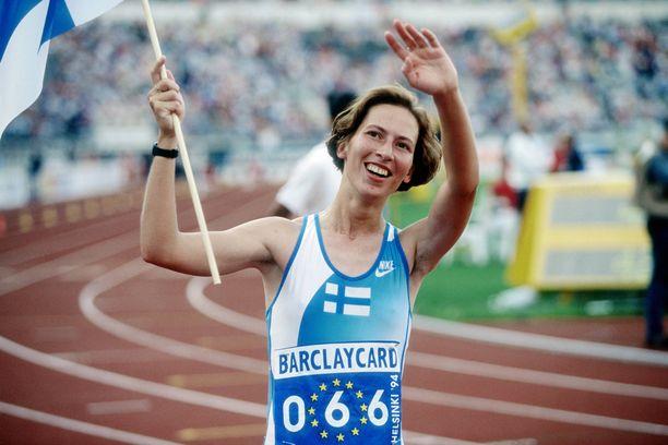 Sari Essayah tuuletti EM-kultaa Helsingissä vuonna 1994.