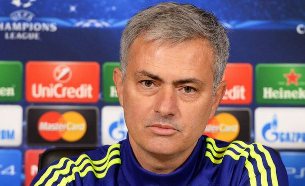 Thibaut Courtois on José Mourinhon (kuvassa) uusi luottomies.