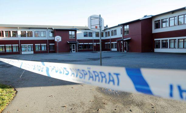 Trollhättänin koulusurmaa on tähän mennessä kuvailtu rasistiseksi viharikokseksi.
