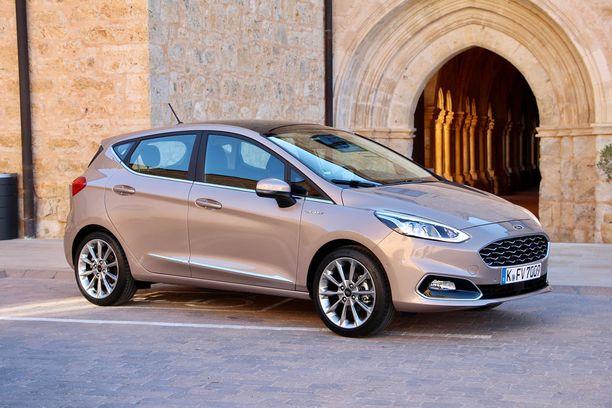 Ford Fiesta -perheen hienostunein jäsen on Vignale, johon saa halutessaan upean varustelun ja paljon automatiikkaa.