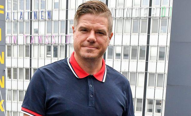 Radio Rockin juontajanakin tunnettu Jussi Heikelä on osallistunut moniin kansainvälisiin pokeriturnauksiin.