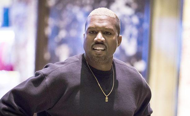 Kanye West ei pahemmin selittele peruuttamisiaan.