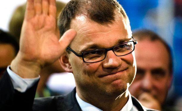 Juha Sipilä eroaa muista keskustan johtajista siinä, että hän kerää ympärilleen vain kavereita, ei vihamiehiä.