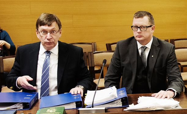 - Kukaan ei ole erehtymätön, lausui Juha Joutsenlahden (oik.) asianajaja Jukka Virtanen.