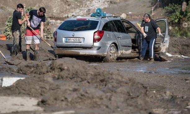 Myös muualla Keski-Euroopassa tulvat ovat piinanneet alueita. Kuva on Simbach am Innistä Saksasta. Baijerin alueella tulvissa on kuollut ainakin seitsemän ihmistä.