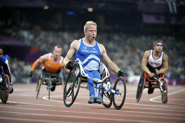 Leo-Pekka Tähti kelasi maailmanennätyksen ja paralympiamestaruuden Lontoossa vuonna 2012.