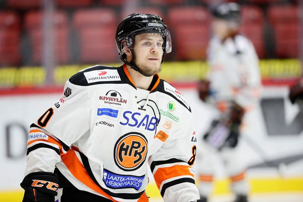 Teemu Turunen pelaa HPK:ssa.