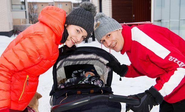 Nadia Ammouri ja Amin Asikainen saivat vuosi sitten yhteisen lapsen, pikku Anton-pojan.
