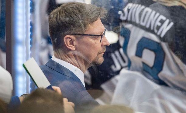 Jukka Jalosen mukaan Suomi oli selvästi Venäjää edellä tasakentällisin pelatessa.
