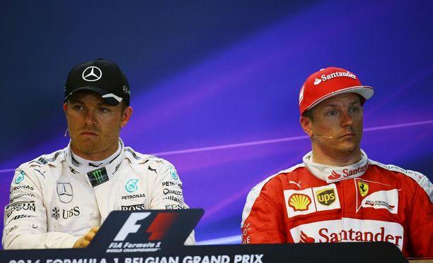 Kimi Räikkönen neuvoi Nico Rosbergia vain jatkamaan entiseen malliin.