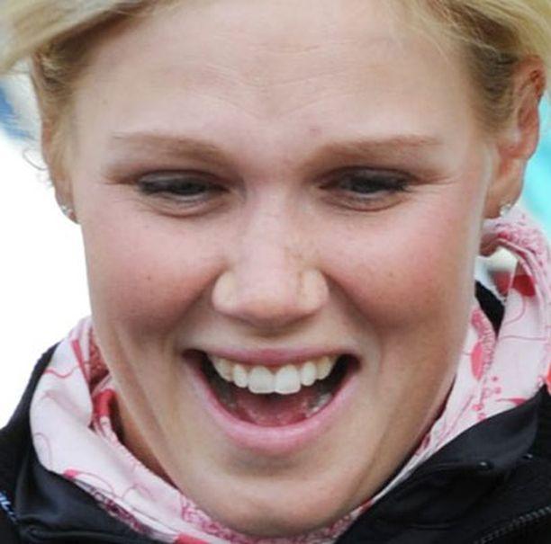 Minea Blomqvist sai äitiydestä tarvittavaa kovuutta.