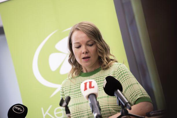 Työ- ja elinkeinoministeriön sisäinen tarkastus selvittää Katri Kulmunin Tekir-hankinnan.