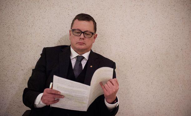 Vaasan hovioikeus vapautti Juha Joutsenlahden huhtikuussa virkarikossyytteistä.