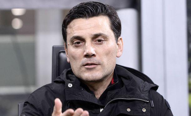 Tätä herraa ei enää nähdä AC Milanin peräsimessä.