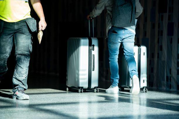 Kaupunginjohtajan tiedotustilaisuudessa käsiteltiin muun muassa lentokentän terveysturvallisuustilannetta.