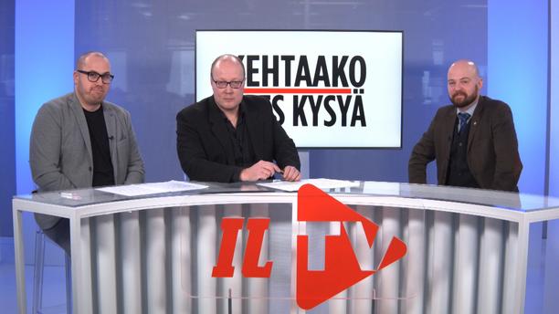 Kehtaako edes sanoa -ohjelmassa toimittaja Marko-Oskari Lehtonen (vasemmalla), politiikan toimituksen esimies Juha Ristamäki ja keskustan kansanedustajaehdokas Mikko Kärnä.