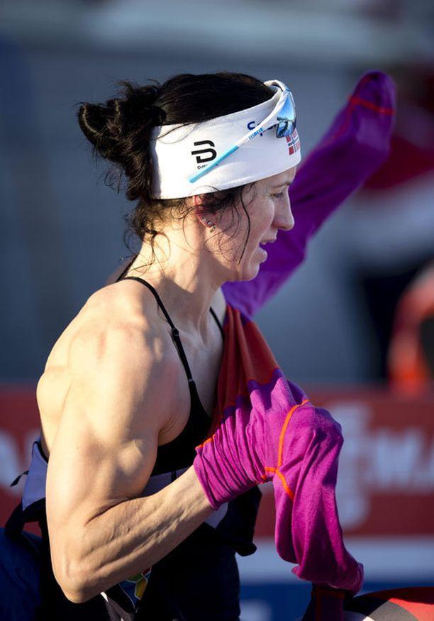 Marit Björgenin lihaksiston vahva kunto herätti huomiota Ulricehamnin maailmancup-viikonloppuna.