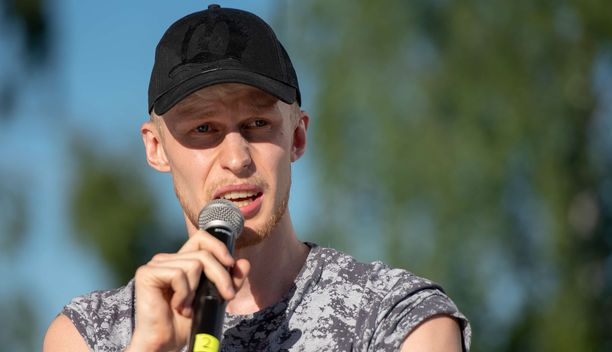 Roni Bäck on yksi Suomen suosituimmista tubettajista. Tilaajia hänellä on yli 470 000.