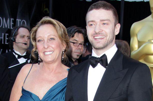 Justin Timberlake ja hänen äitinsä Lynn Bomar Harless.
