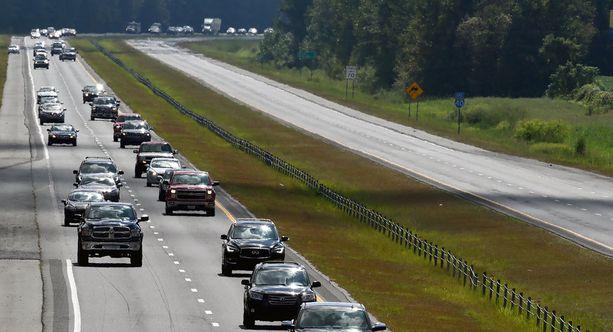 Moottoritie I-40 oli idän suuntaan tyhjillään, kun ihmiset evakuoituivat länteen sisämaahan.