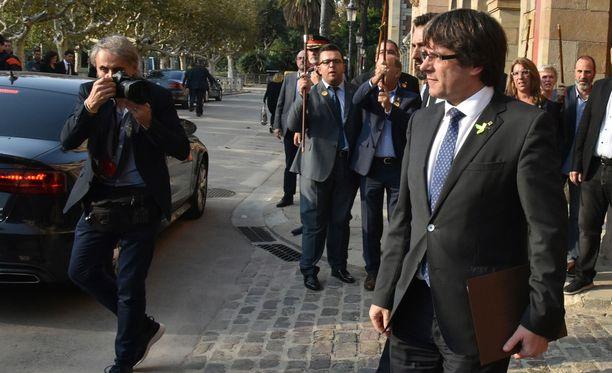 Syytteeseen joutuu muun muassa Katalonian erotettu aluejohtaja Carles Puigdemont.