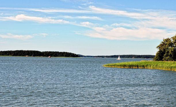Tänä kesänä ei ole saatu nauttia lämpimistä järvivesistä.