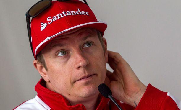Kimi Räikkönen ei ollut tyytyväinen autoonsa perjantain vapaissa harjoituksissa.