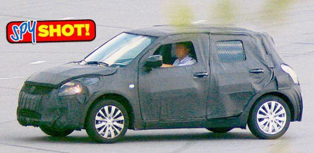 OMINTAKEINEN Toisen sukupolven Suzuki Swift säilyttää nykyisen Swiftin tärkeimmät ulkoiset tunnusmerkit.