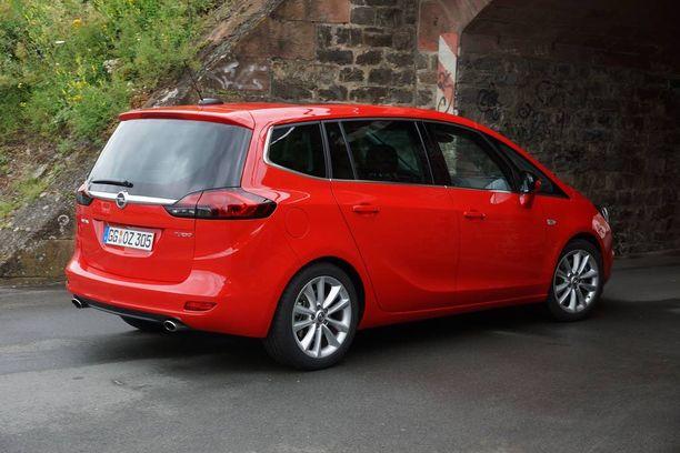 Zafira on keskikokoinen tila-auto, joka on tarkoitettu sekä lapsiperheille että yrityskäyttöön.