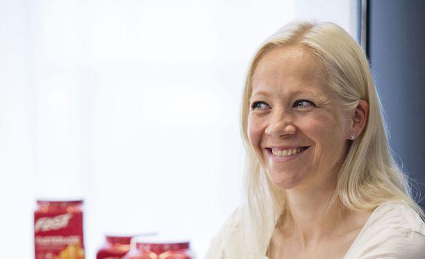 Kiireinen Kaisa Mäkäräinen sanoo, ettei ole ehtinyt vielä viettää montaa yötä uudessa kodissaan.