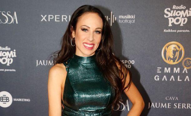 Janna Hurmerinta edusti Emma-gaalassa 11. maaliskuuta.