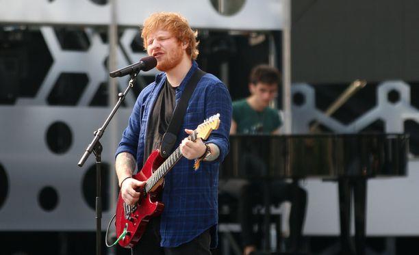 Ed Sheeranin stadionkeikoista kuvataan heinäkuussa dokumenttielokuva.