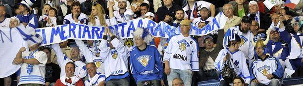 """""""Ei Mertarantaa rakkaampaa"""" luki suomalaisten viestissä Slovakian MM-kilpailuissa."""