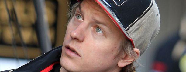 Ruotsalainen Stefan Johansson vaatii Kimi Räikköstä työntekoon.