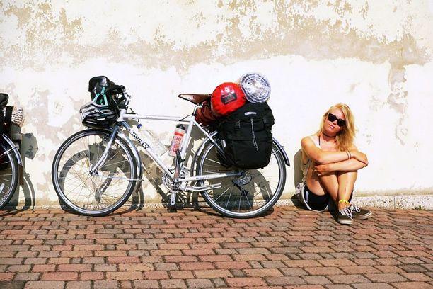 Huikean maailmanmatkan jälkeenkin Eerikalla yhä haaveita uusista seikkailuista. –Yksi unelmani olisi pyöräillä halki Etelä- ja Pohjois-Amerikan. Lähitulevaisuudessa haluan tehdä lyhyitä reissuja Suomessa ja Euroopassa.