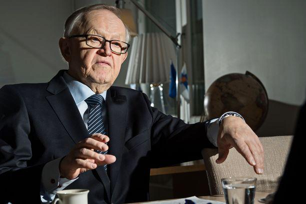 Ahtisaaren perustama järjestö nimetään Ahtisaaren itsensä mukaan.