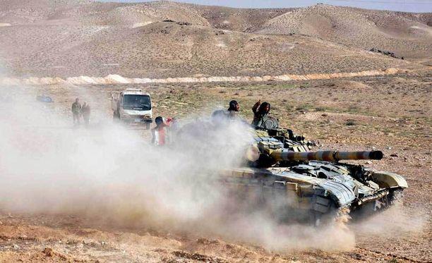 Syyrian armeijan yksikkö matkalla Palmyraan.